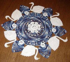 toalha-croche-com-cisnes
