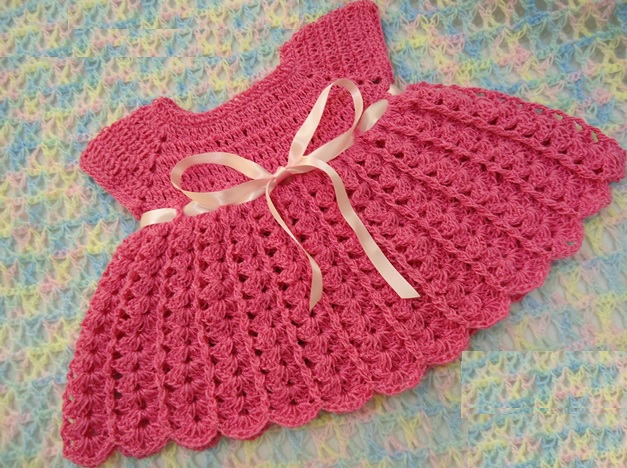 Vestido de Crochê Para Bebê – Material e Passo a Passo