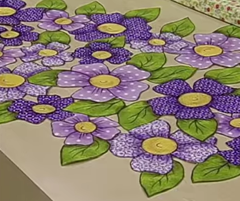 Caminho de Mesa Florido Vazado – Termocolante – Material e Vídeo