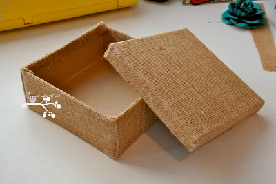 caixinha-papelão-decorada
