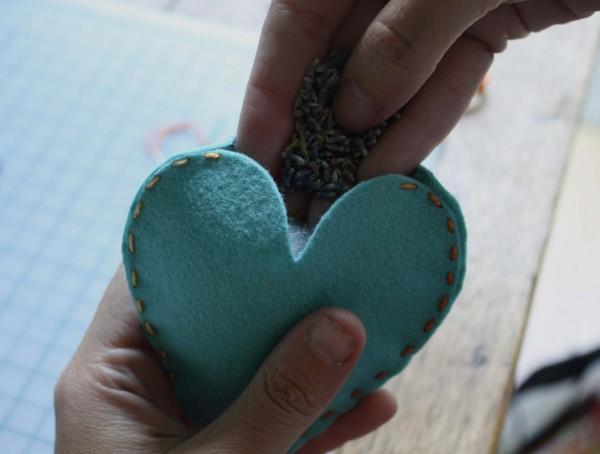 coração-de-feltro-sachê-4