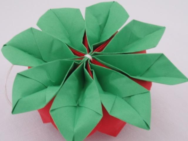 Flor de Lotus Feito de Origami  folha