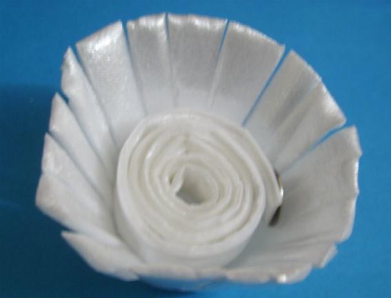 Flor Feita de Bandeja de Isopor – Como Fazer