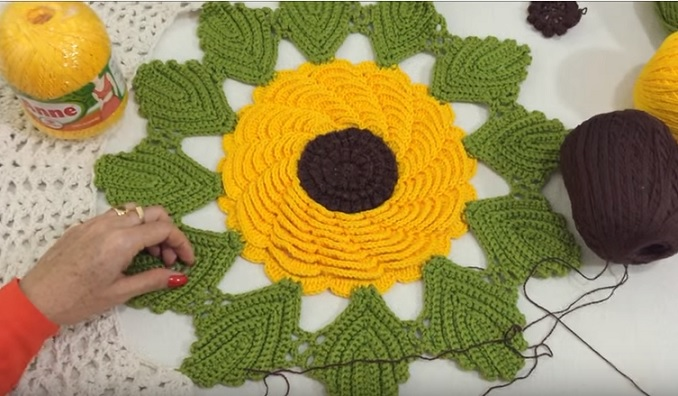 Flor Girassol Para Caminho Em Crochê - Vídeo