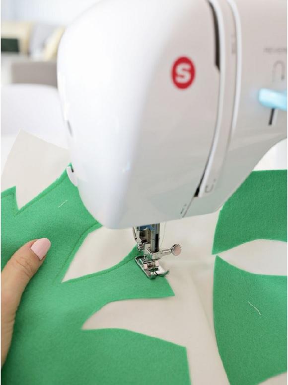 Almofada Decorada Com Feltro -  Como costurar