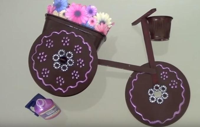 Triciclo de Cd Usado - Material