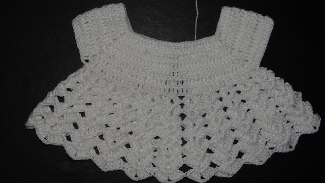 Vestido Para Bebê Em Crochê – 19 carr
