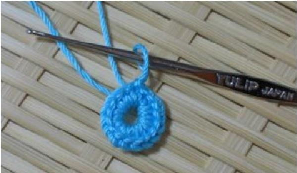 mini-bolsinhas-em-croche-material-e-como-fazer
