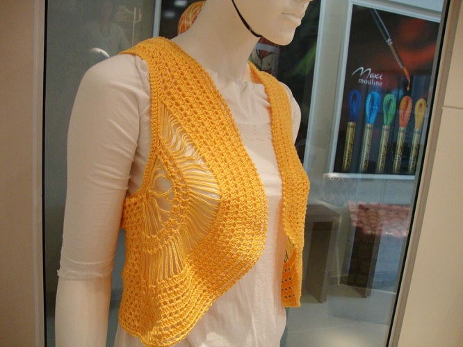 Colete Amarelo Em Crochê – Material e Como Fazer