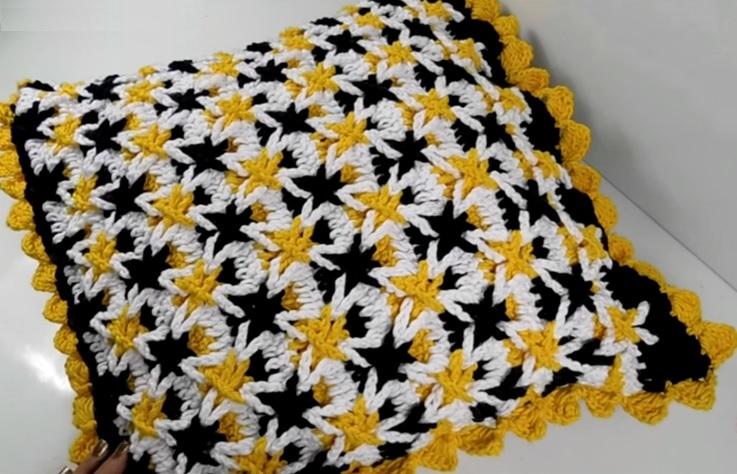 Almofada Estrelinhas Em Crochê – Material e Vídeo