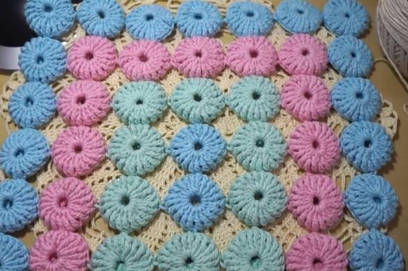Tapete Infantil Fuxico Em Crochê – Material e Vídeo