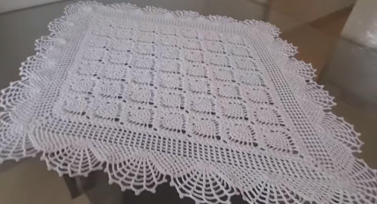 Centro de Mesa Abacaxi Em Crochê – Material e Vídeo