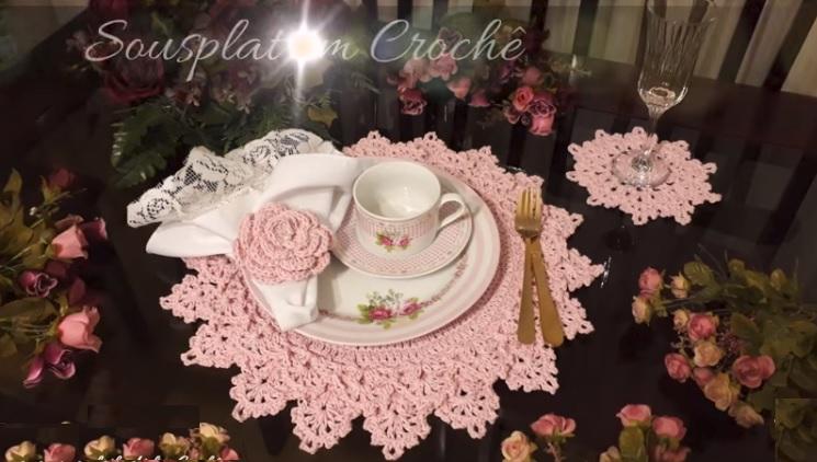 Sousplat Rosa Em Crochê – Material e Vídeo