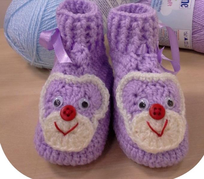 Sapatinho Lilás Ursinho Em Crochê – Material e Receita