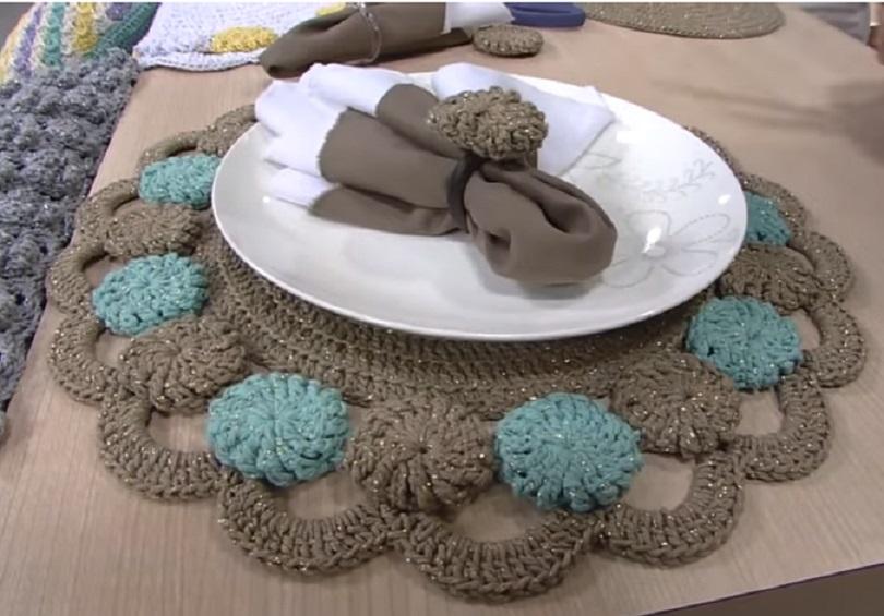 Sousplat Fuxico Em Crochê – Material, Vídeo e Receita