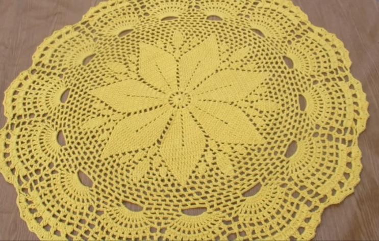 Tapete Flor Amarela Em Crochê – Material e Vídeo
