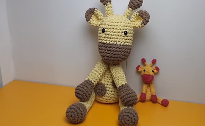 Amigurumi Girafa Dani Em Crochê – Material e Vídeo