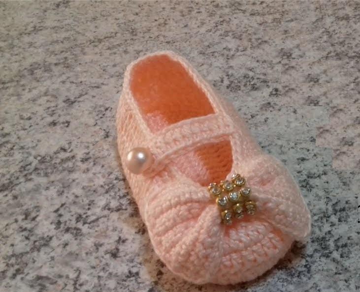 Sapatinho Olivia Em Crochê – Material e Vídeo