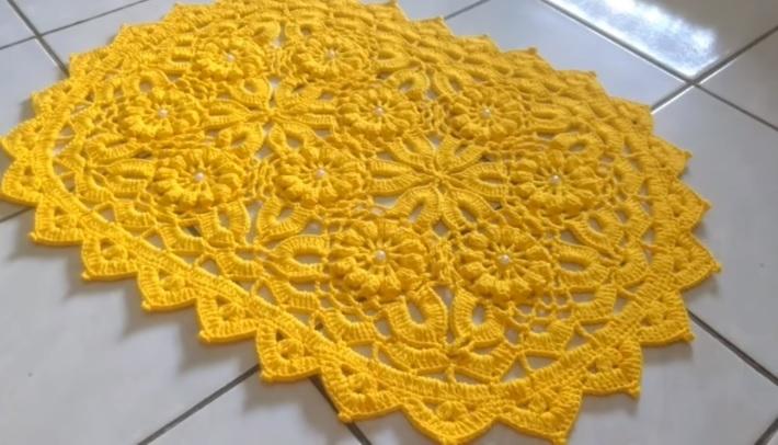 Tapete Encontro de Flores Em Crochê – Material e Vídeo