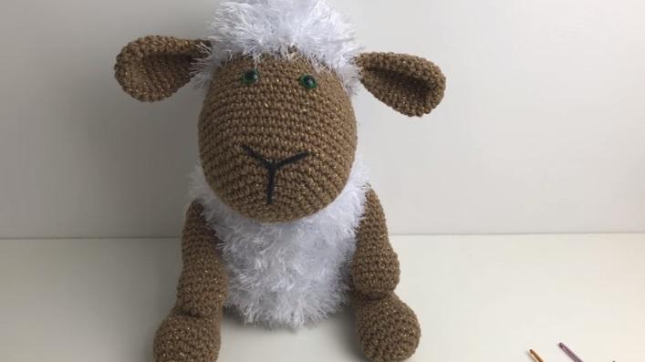 Amigurumi Ovelha Dolly Em Crochê – Material e Vídeo