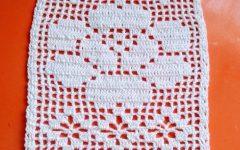 Trilho de Mesa Rosa e Ponto Aranha Em Crochê – Material e Vídeo