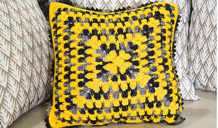 Almofada Dupla CorEm Crochê – Material e Receita