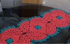 Caminho de Mesa Delicado Em Crochê – Material e Vídeo