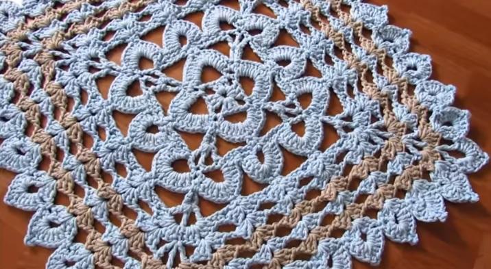 Tapete Quadrado Simples Em Crochê – Material e Vídeo
