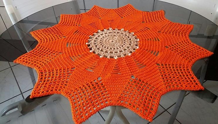 Centro de Mesa Flor e Pérolas Em Crochê – Material e Vídeo