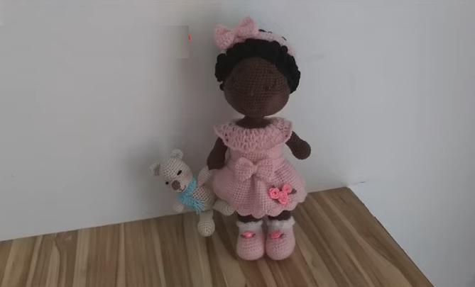 Amigurumi Boneca Heloísa Em Crochê – Material e Vídeo