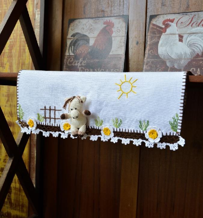 Pano De Prato Cavalinho Em Crochê – Material e Receita