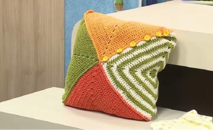 Almofada Botões Em Crochê – Material e Vídeo