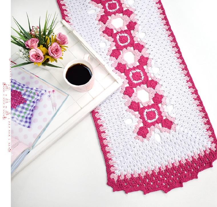 Caminho de Mesa Amore Em Crochê – Material e Receita