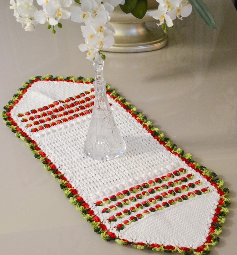 Trilho Natalino Em Crochê – Material e Receita