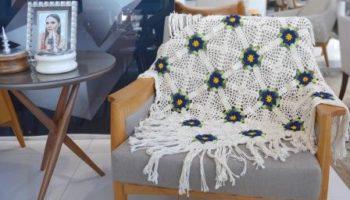 Manta Com Franjas Em Crochê – Material e Receita